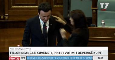 FOTO/ Deputetja bën veprimin e papritur teksa Albin Kurti mbante fjalimin në Kuvend