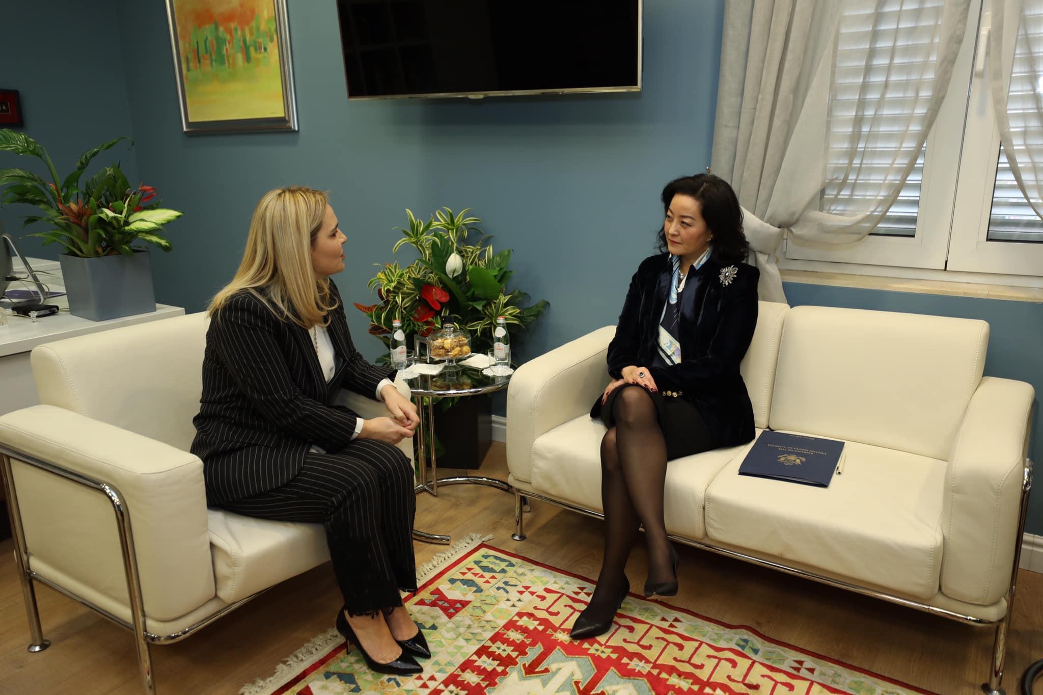 Kryemadhi me ambasadoren amerikane: Prioritet përfundimi sa më shpejt i reformës zgjedhore