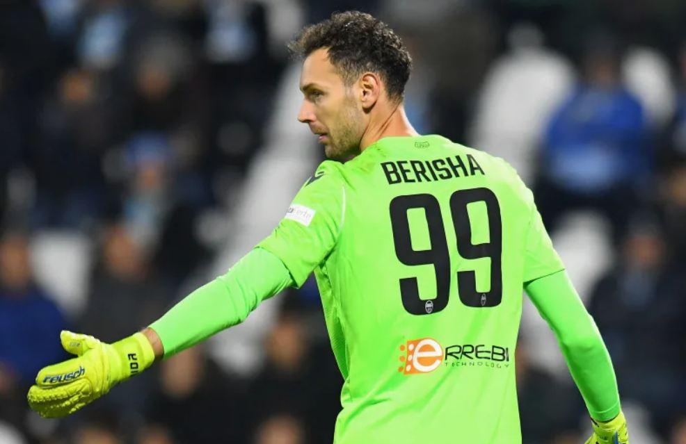 Sezoni super i Etrit Berishës, portieri i kombëtares mes tre më të mirëve