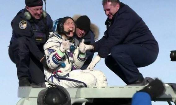 Astronautja zbret në tokë pas 328 ditësh, e para femër që qendron kaq gjatë në hapësirë