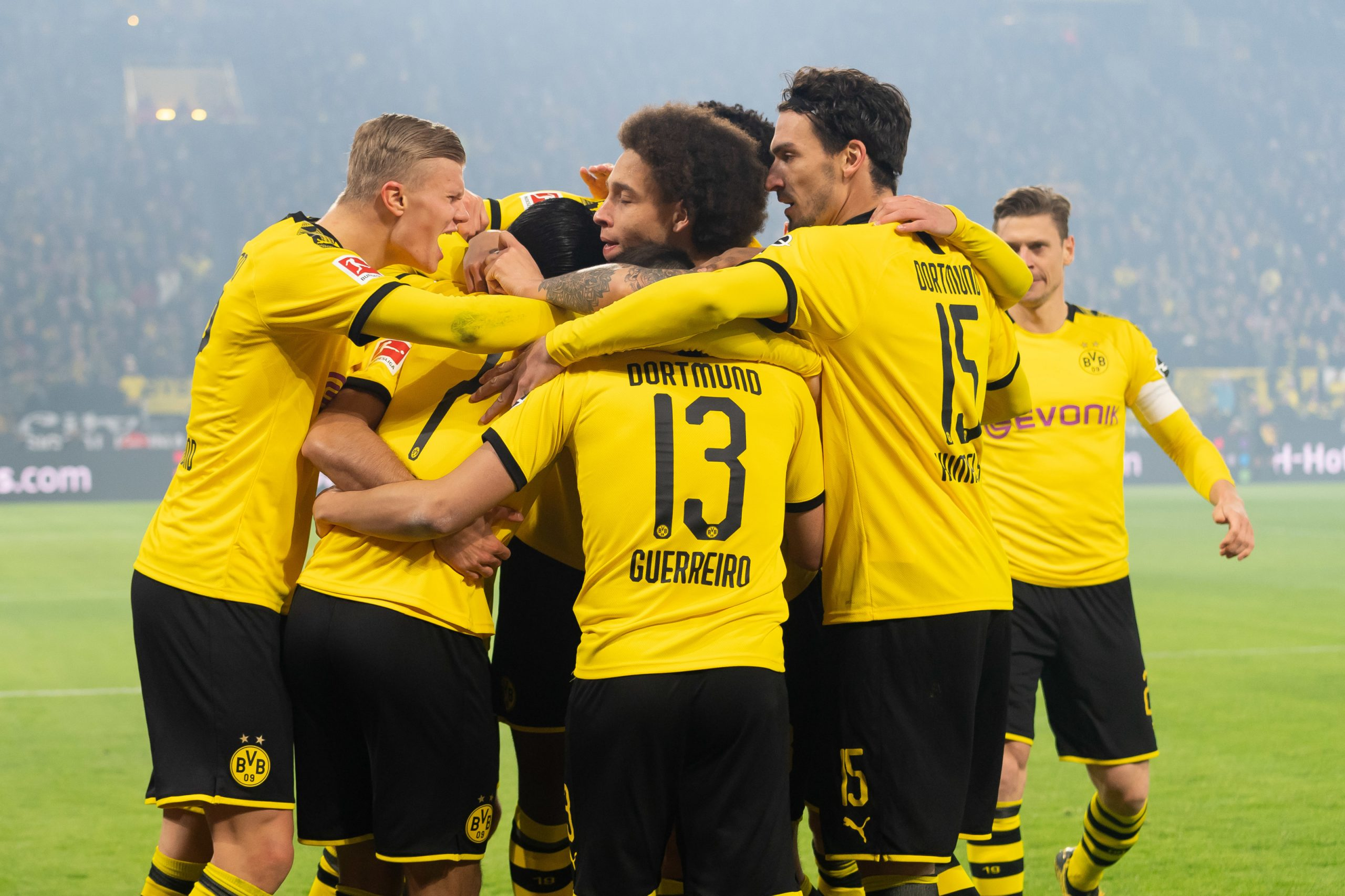 Dortmund vallëzon me Eintracht Frankfurt dhe barazon një rekord golash