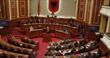 """""""Paketa Anti-KÇK"""", qeveria dërgon në Kuvend 5 projektligje, ndryshon ligjin për policinë"""