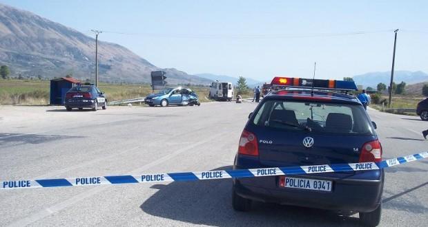 Përplasen dy makina në autostradën Laç-Fushë Krujë, plagoset 23 vjeçarja
