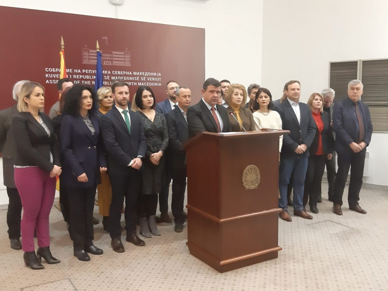 VMRO-Grupi-Parlamentar-1536x1152-1-1280x960.jpg