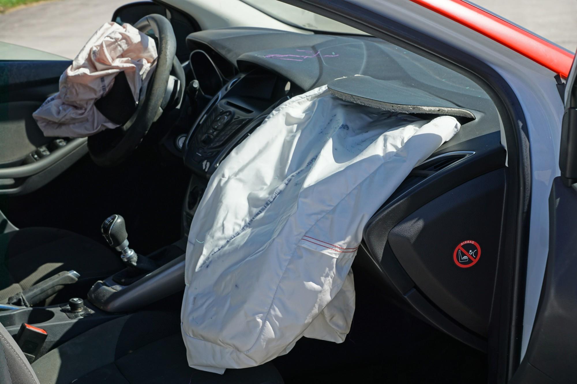 Kujdes me fëmijët në makinë! Airbag-ët i marrin jetën foshnjes shqiptare