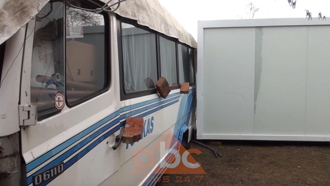 Familja Shullazi nga Bubqi jetonte ne autobus, pas thirrjes ne Abc News pajiset me kontenier