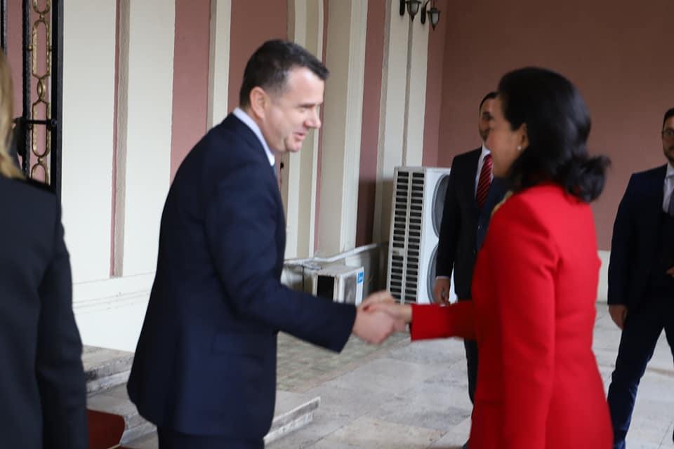 Ambasaroja e SHBA-së, takim me kreun e grupit të PS, Taulant Balla