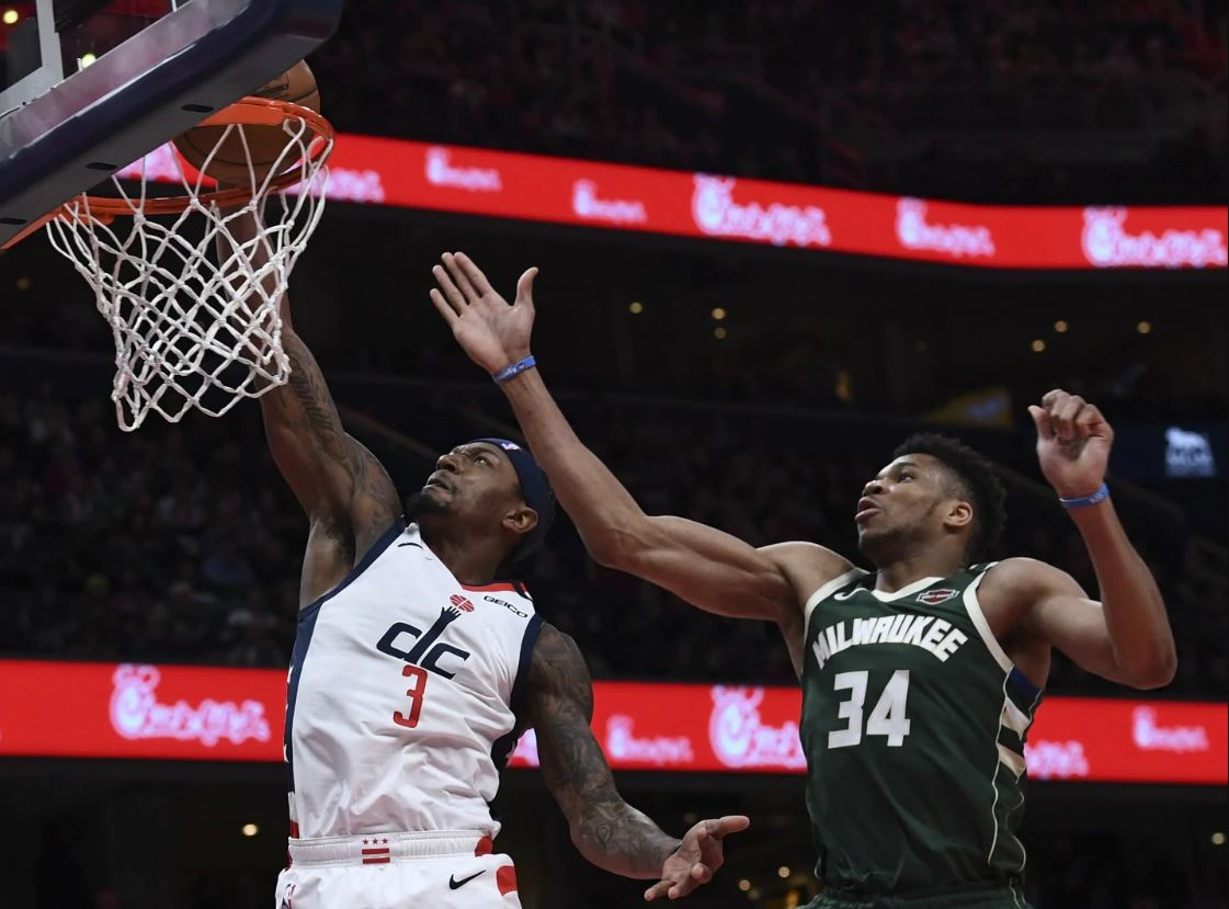 "VIDEO/ Giannis Antetokounmpo në ""gjumë"", Miami Heat befason Milwaukee Bucks"