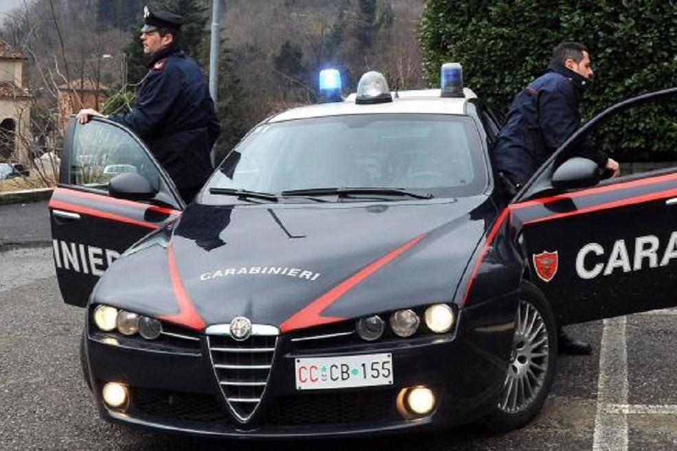 Hapi zjarr ndaj policisë dhe u arratis, kapet 28 vjeçari shqiptar në Itali