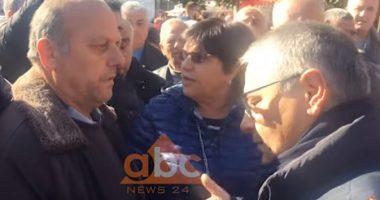 VIDEO/ Ruçi ikën fshehurazi, naftëtarët debatojnë me Finon: Jemi pa bukë, mos na ktheni kurrizin!