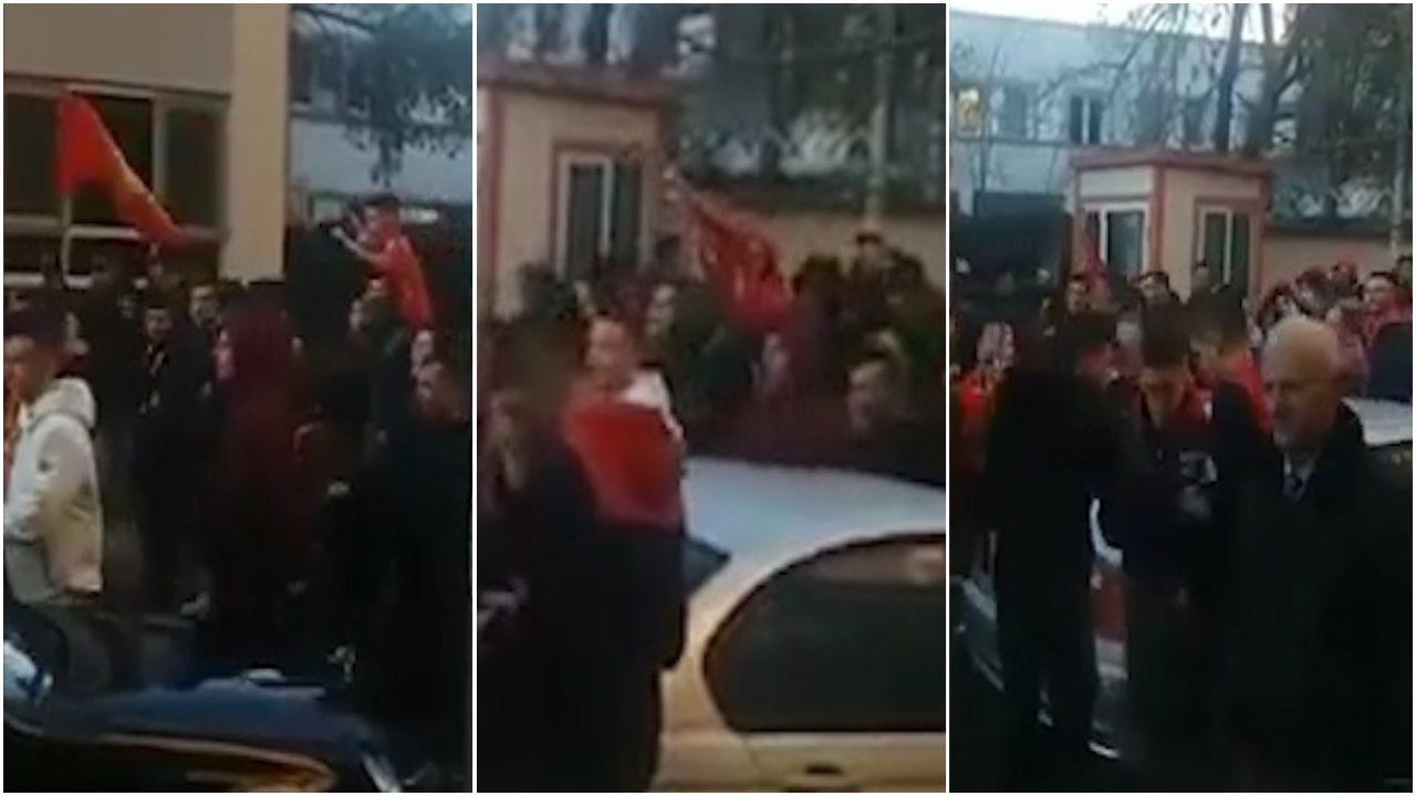 """VIDEO/ """"Të urrej përgjithmonë o Tiranë"""", Guerrils flakë drejt stadiumit"""