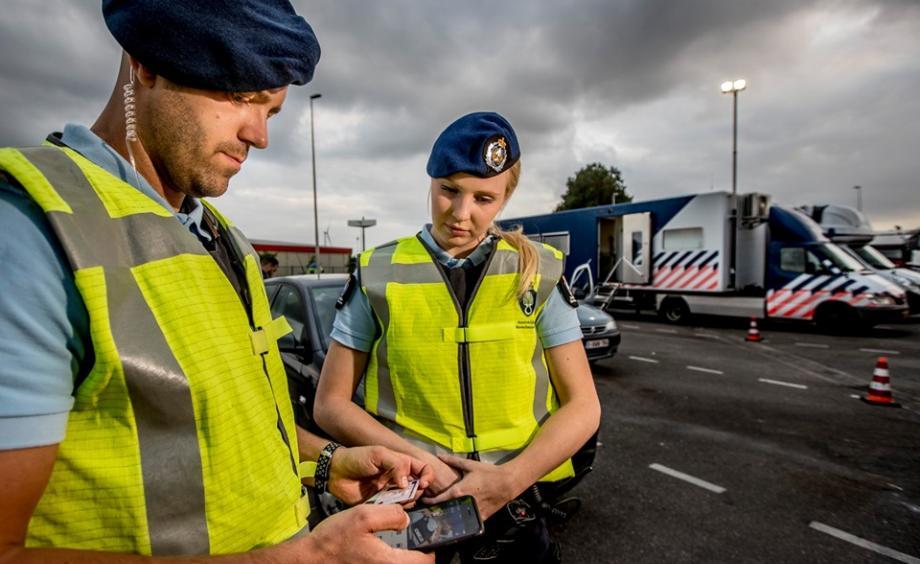 Me kamion drejt Anglisë, kapen 19 shqiptarë në Holandë
