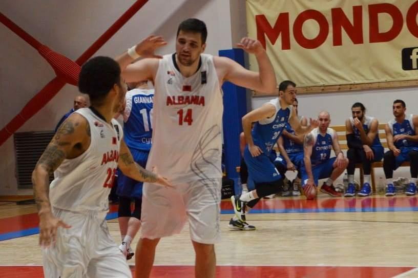 Basketboll: Shqipëria thyen Qipron, na udhëheq Hysenagolli dhe një amerikan