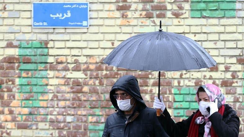 VIDEO / Koronavirusi në Iran, njerëzit bien rrugëve