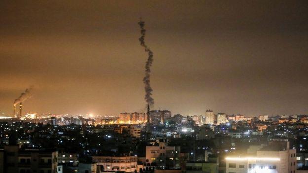 Izraeli nis sulmet ajrore në Gazë dhe Siri kundër një grupi militant palestinez