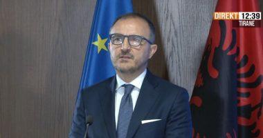 Reforma Zgjedhore, Soreca mbledh në zyrën e tij ambasadorët