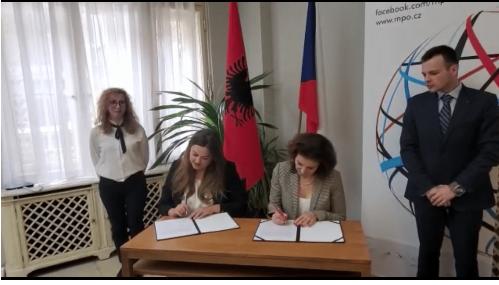 Nënshkruhet marrëveshja për bashkëpunimin ekonomik mes Shqipërisë dhe Çekisë