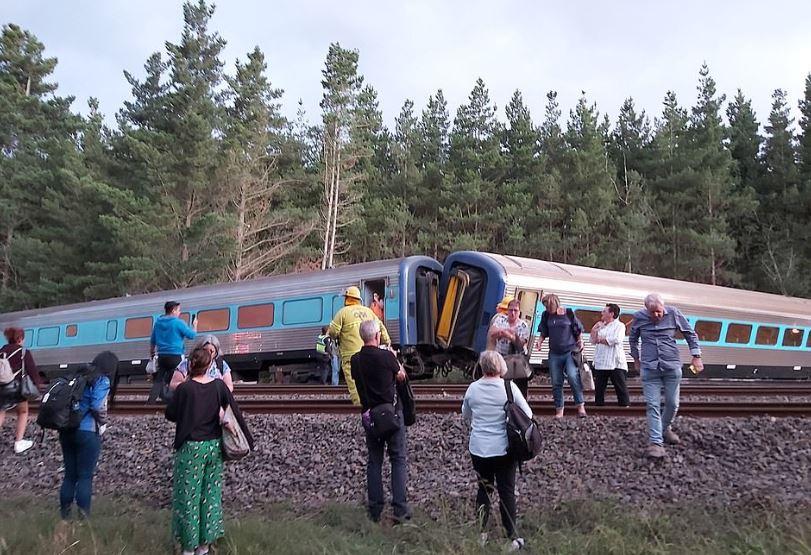 """""""U duk sikur do fluturonte"""", treni me pasagjerë del nga shinat: Vdesin dy persona"""