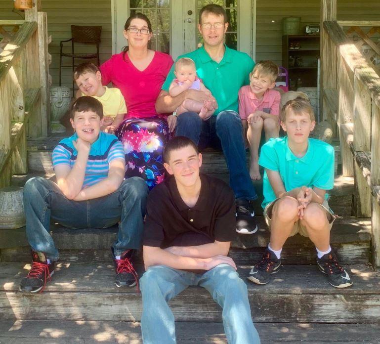 Nëna me 6 fëmijët digjen brenda shtëpisë në SHBA