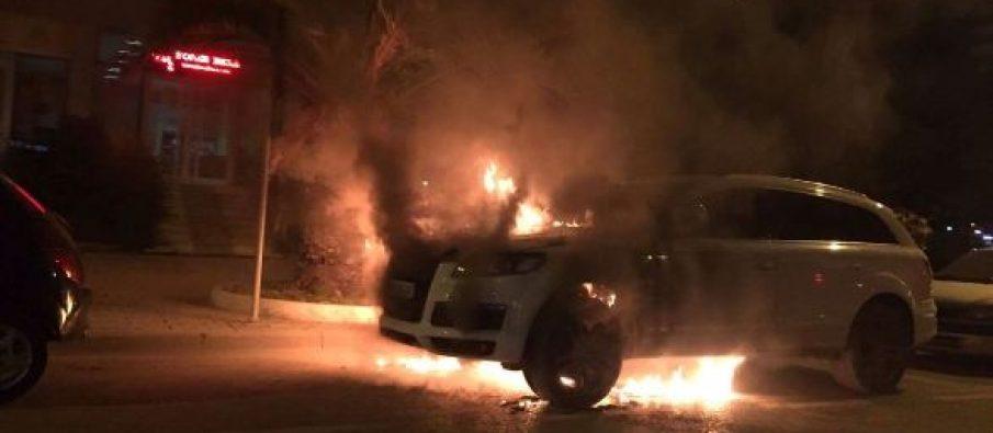 Çudira nga Pogradeci: I vunë zjarrin makinës, i bëjnë presion pronarit të mos dëshmojë në gjyq