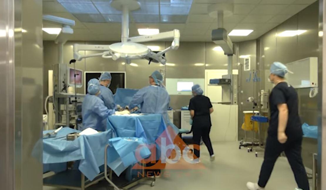 Kirurgët në QSUT kundër zhvendosjes së sallave të operacionit në katin e katërt