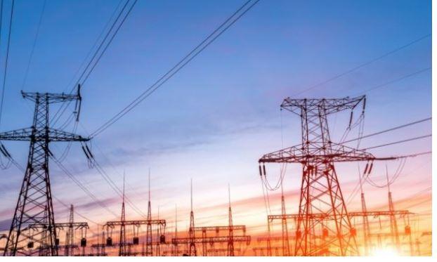 Moti i keq godet Austrinë, mijëra banorë pa energji elektrike