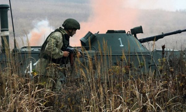 Pse po armatoset Serbia?