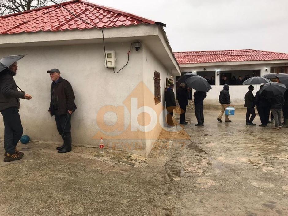 VIDEO / Humbi jetën nëna me dy fëmijë: Detaje rrëqethëse nga tragjedia e gazit në Bulqizë