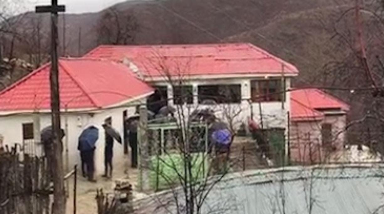 Tragjedi në Bulqizë, vdesin nëna dhe dy fëmijët