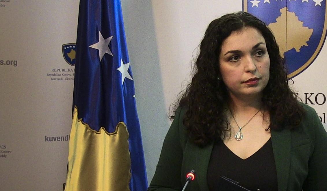 Vjosa Osmani mesazh qytetarëve të Kosovës: Në ditë festash njerëzit po ndahen nga të dashurit