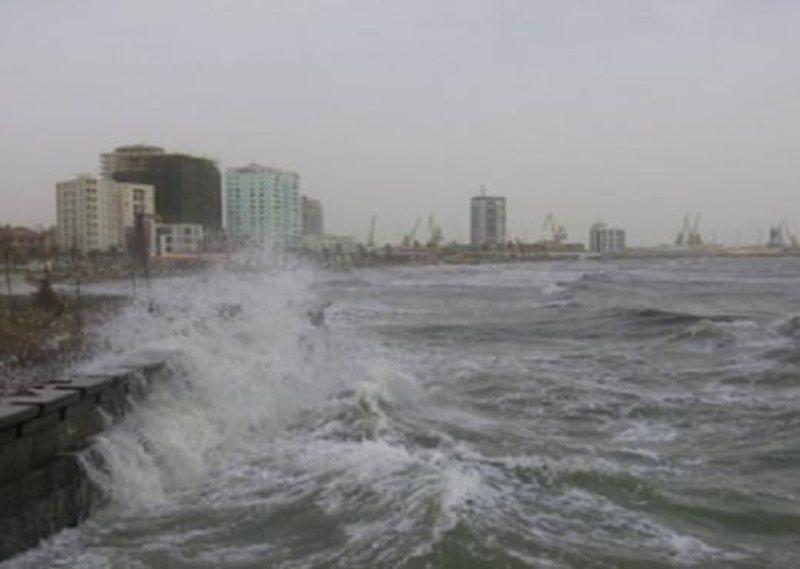 Nis furtuna: Nga nesër pezullohet lundrimi në Vlorë