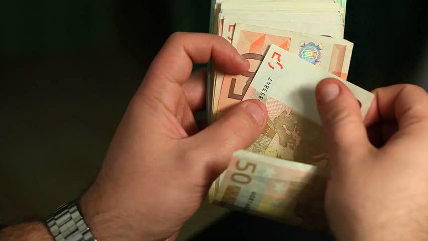 OBSH jep porosinë e rëndësishme: Pse duhet të tregoni kujdes me kartmonedhat
