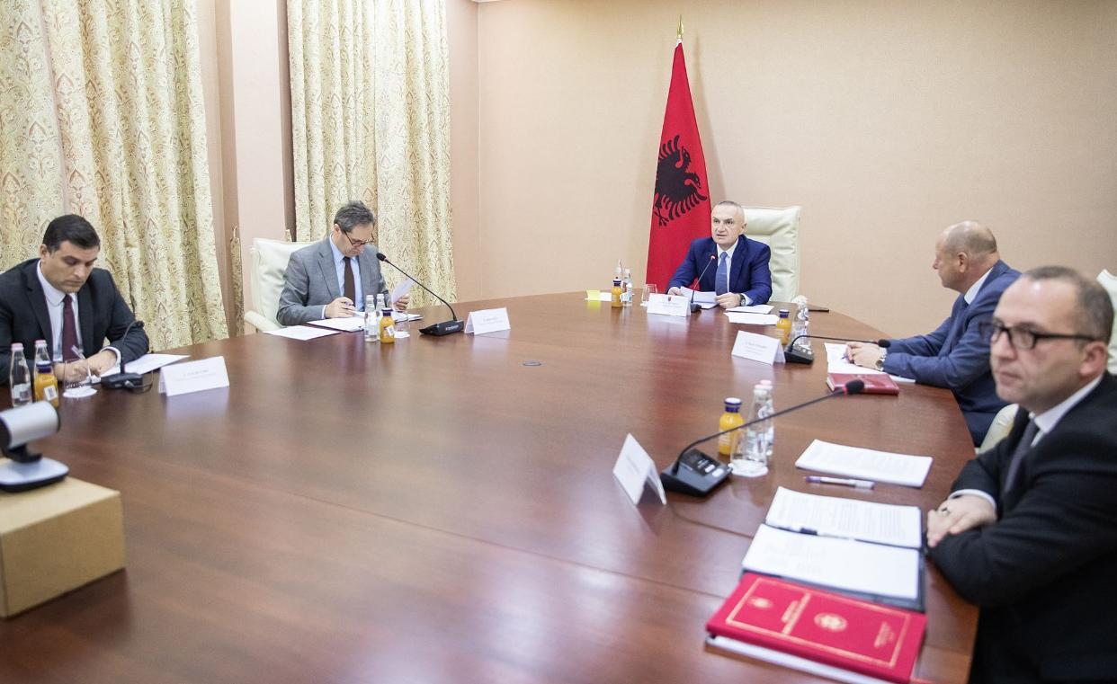 Mblidhet Këshilli i Sigurisë Kombëtare, Meta: Me gjithëpërfshirjeje dhe bashkëpunim, do ja dalim me sukses