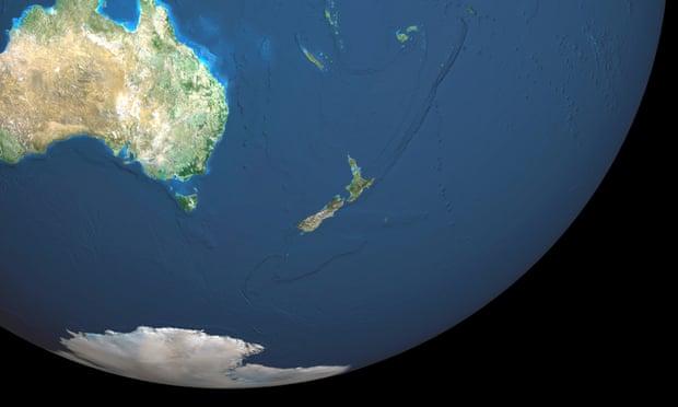 """Shkencëtarët: """"Rreth 3 miliardë vite më parë, Toka mund të ketë qenë e mbuluar vetëm nga uji"""""""