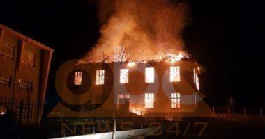 """Shkrumbohet nga zjarri ish-konvikti """"Kosova"""" në Krumë"""
