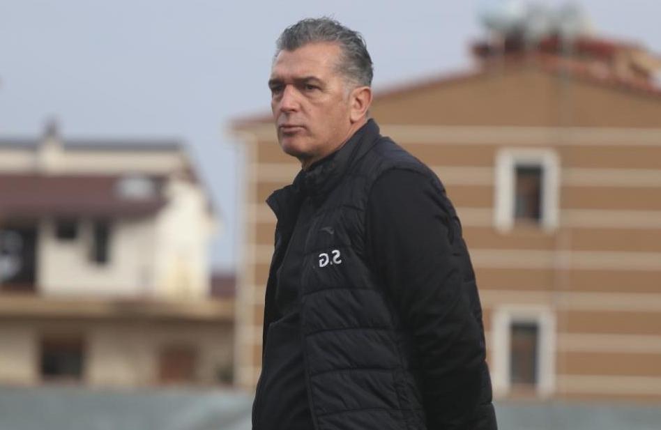 Letra e veçantë për lojtarët, Skënder Gega e nis ndryshe aventurën arabe