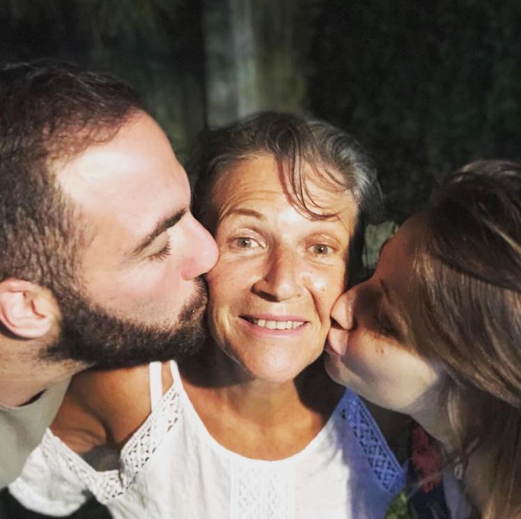 Higuain me urgjencë në Argjentinë, ka nënën në gjendje të rëndë