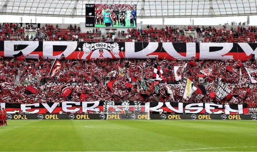 Panik për tifozin, gjest i bukur nga ultrasit e Leverkusen dhe Union