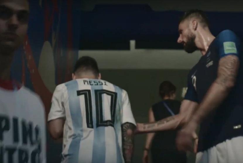 VIDEO | Prapaskenat në Botërorin e 2018-s, si Lionel Messi e injoroi Giroud