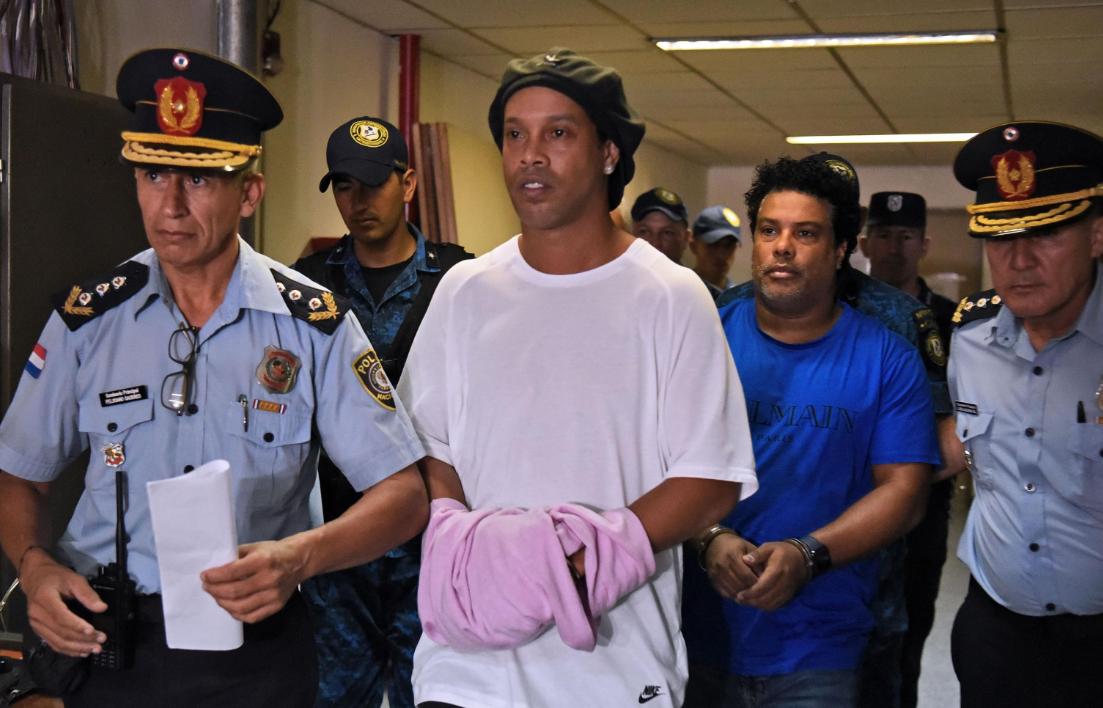 Ronaldinho sërish në telashe, tjetër akuzë për legjendën braziliane