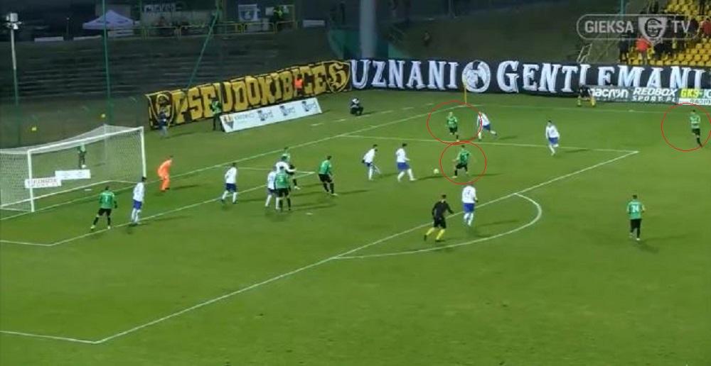 VIDEO | Skemë perfekte, skuadra polake tregon si shënohet nga goditja e këndit