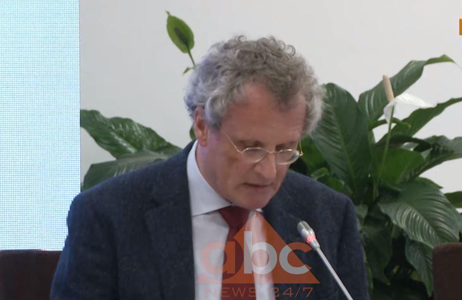 """""""SPAK arritje e madhe"""", Borchard: Shqipëria po ecën përpara drejt sundimit të ligjit dhe BE-së"""