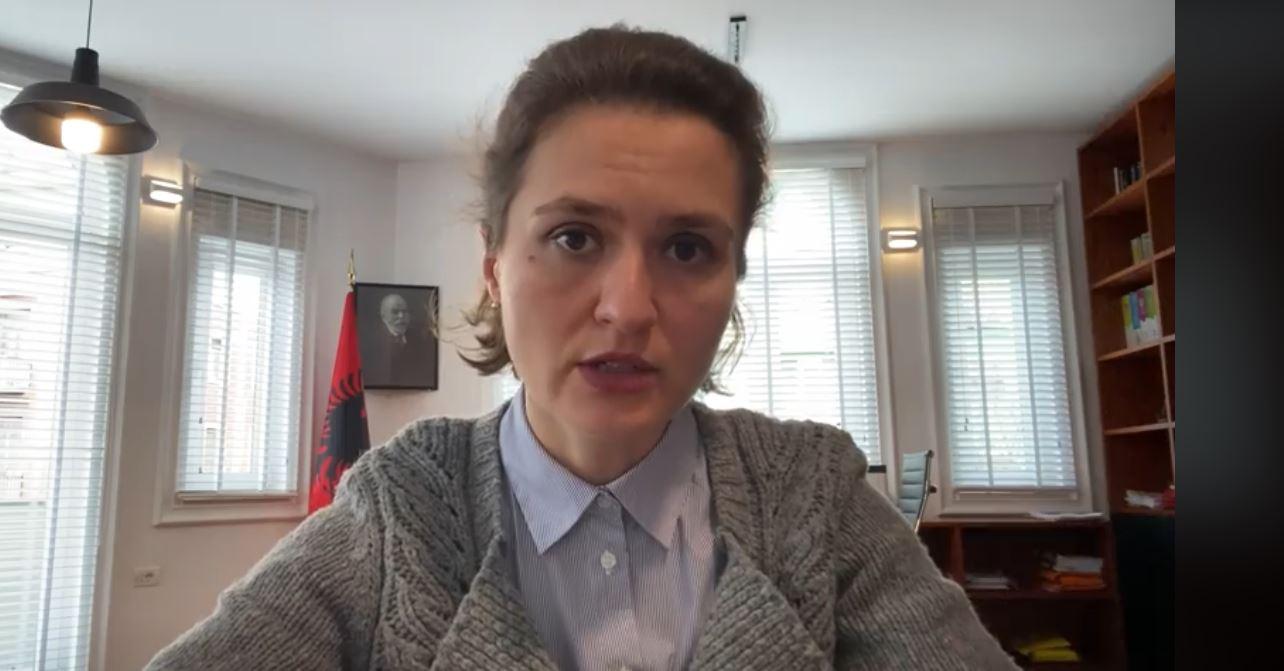 """""""Viti shkollor do të mbyllet në kohë"""", Shahini: Shpresojmë të mos shtyjmë provimet e maturës"""