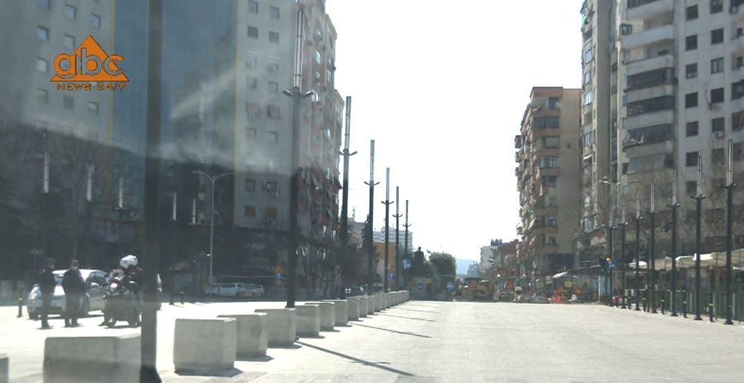 Përfundon orari për të lëvizur qytetarët: Boshatisen rrugët e Tiranës