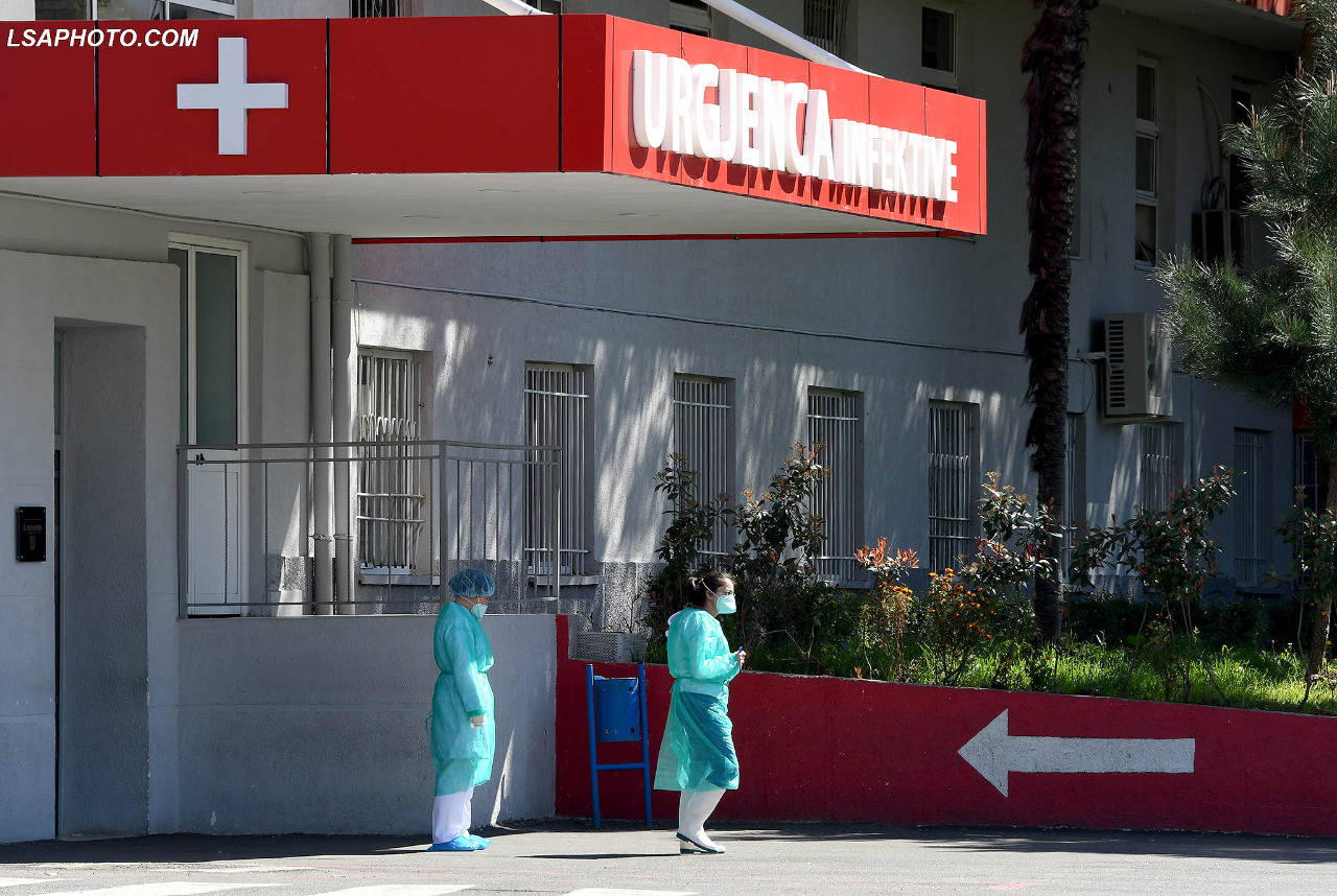 U infektuan nga mbesa, shërohet çifti i të moshuarve në Korçë