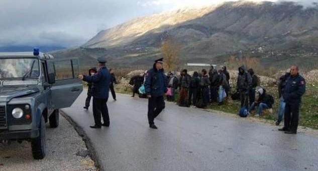 Kapen 8 klandestinë në Korçë, arrestohet 1 person