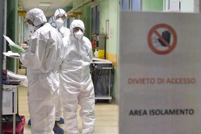 Infektohen me koronavirus 2 ushtarë në Maqedoninë e Veriut