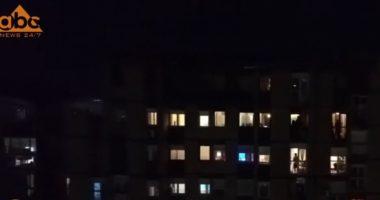 Protestë me lugë e tenxhere në Kosovë, qytetarët dalin në ballkone