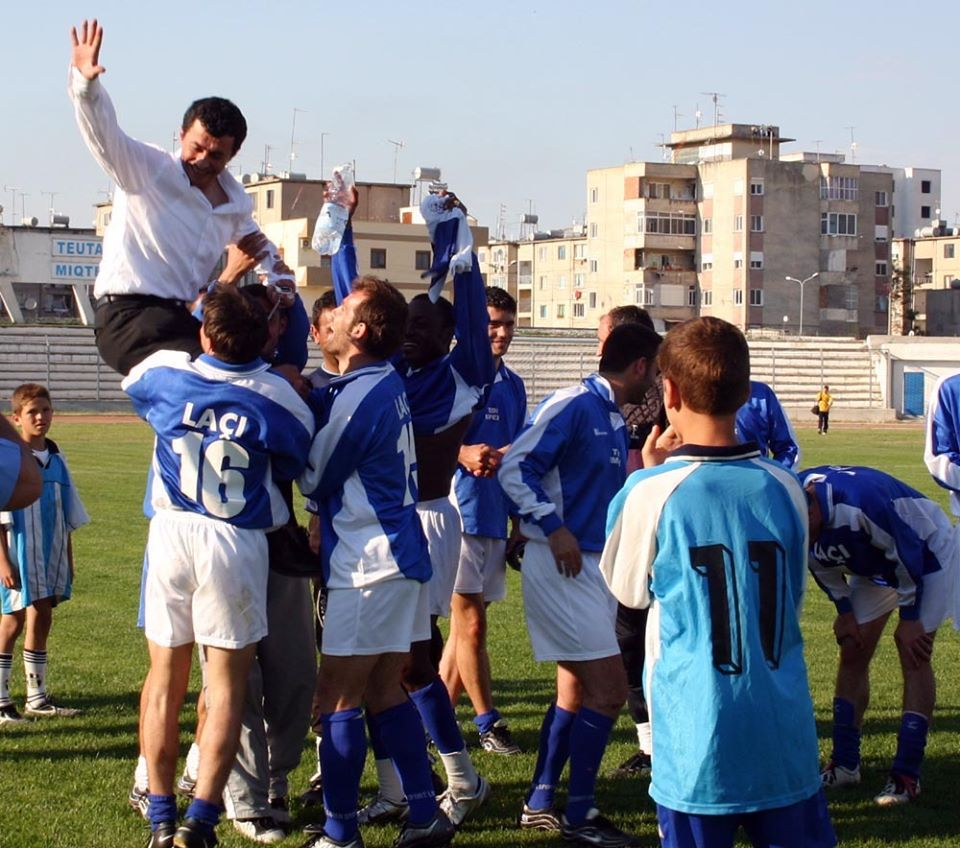 I dënuar përjetë nga FSHF, 16 vite më parë i jepte trofeun e parë Laçit