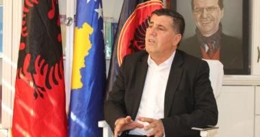 Pati kontakt me personin që rezultoi pozitiv me koronavirus, vetëizolohet kryetari i komunës së Gjilanit